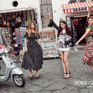 Zendayával és Cindy Crawford fiával megy a buli a Dolce&Gabbana ruháiban Caprin