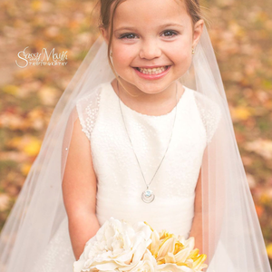 Egy kis túlélő csodálatos esküvői képei