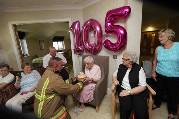 105-year-old-grandmother-birthday-wish-fireman-ivena-smailes-2.jpg
