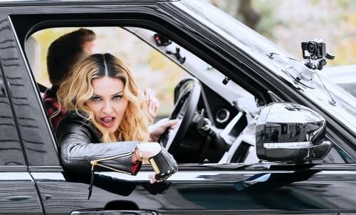 20161117-media-madonna-james-corden-carpool-karaoke-nyc-06-500x302.jpg