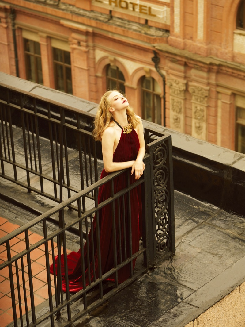 amanda-seyfried-elle-china-september-2016-cover-photoshoot04.jpg