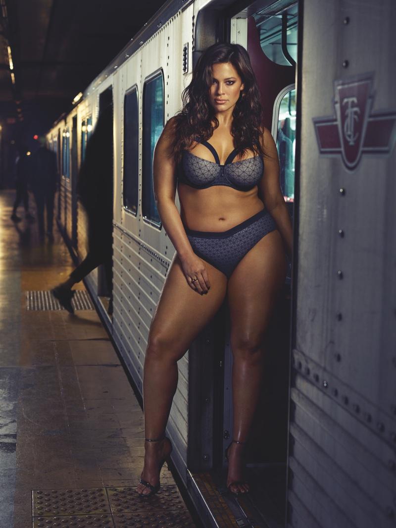 ashley-graham-subway-addition-elle-lingerie-campaign01.jpg