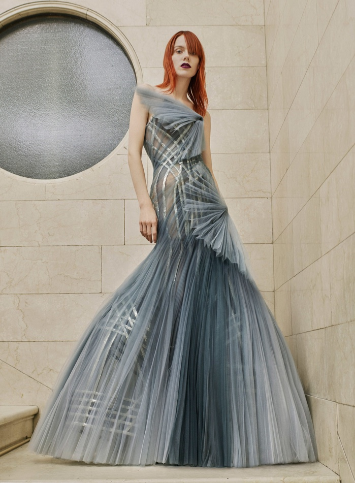 atelier-versace-spring-summer-2017-haute-couture17.jpg