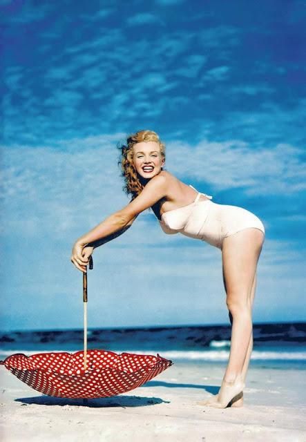 beautiful_photographs_of_marilyn_monroe_by_andre_de_dienes_1949_1.jpg