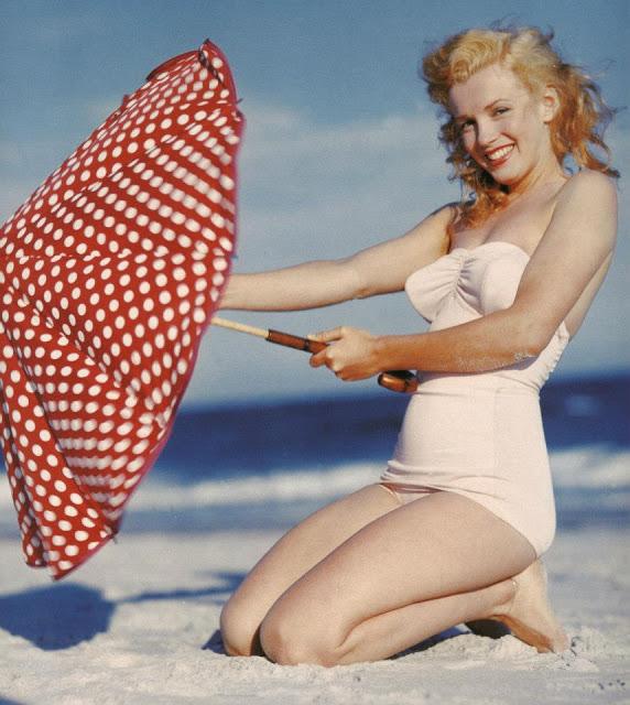 beautiful_photographs_of_marilyn_monroe_by_andre_de_dienes_1949_18.jpg