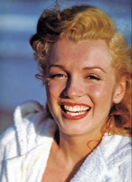 beautiful_photographs_of_marilyn_monroe_by_andre_de_dienes_1949_25.jpg