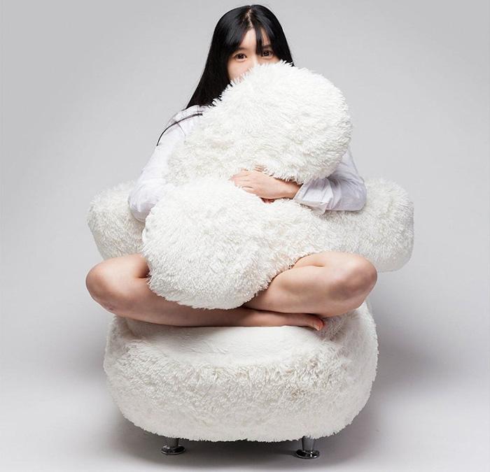 free-hug-sofa-lee-eun-kyoung-1.jpg