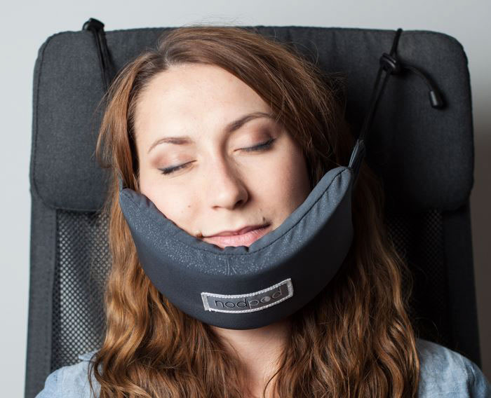head-hammock-nodpod-sleep-travel-pillow-aeroplane-6.jpg