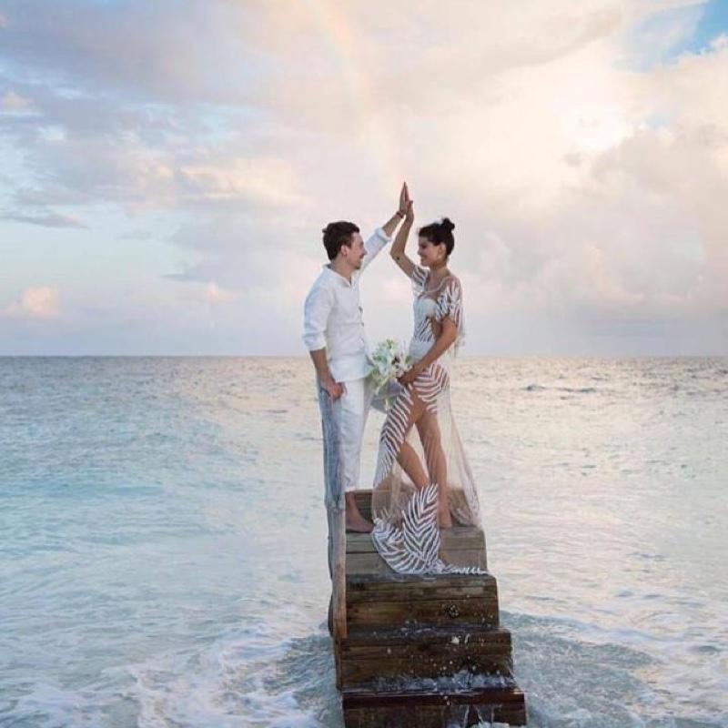 isabeli-fontana-sheer-wedding-dress_1.jpg