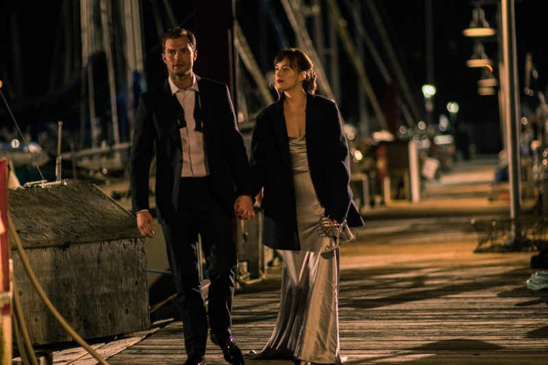 jamie-dornan-dakota-johnson-nighttime-fifty-shades-darker.jpg