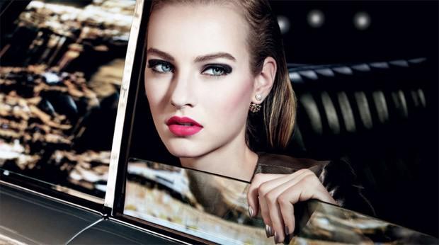 maartje-verhoef-christian-dior-cosmetics-christmas-2015-01-620x346.jpg