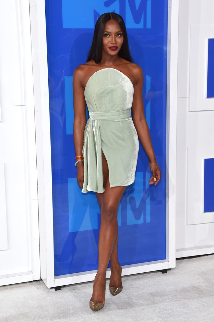 naomi-campbell-brandon-maxwell-dress-2016-mtv-vmas.jpg