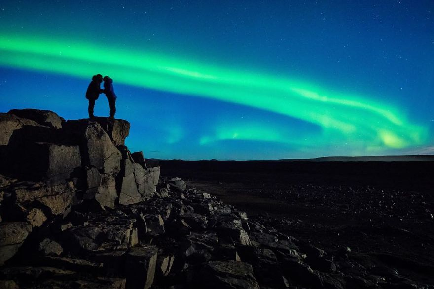 northern-lights-couple-proposal-dale-sharpe-6-58c16305d0111_880.jpg