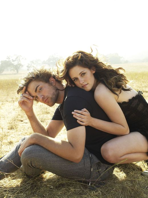 UHQ-Outtakes-From-Vanity-Fair-With-Robert-Pattinson-Kristen-Stewart-robert-pattinson-and-kristen-stewart-9619681-1922-2560.jpg