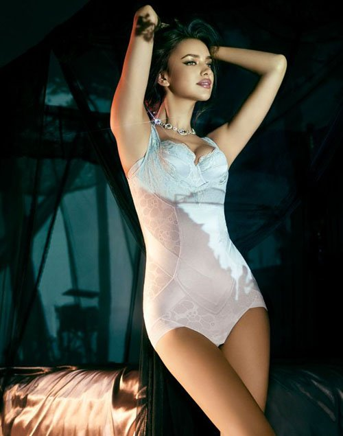 irina-shayk-la-clover-0912- (1).jpg