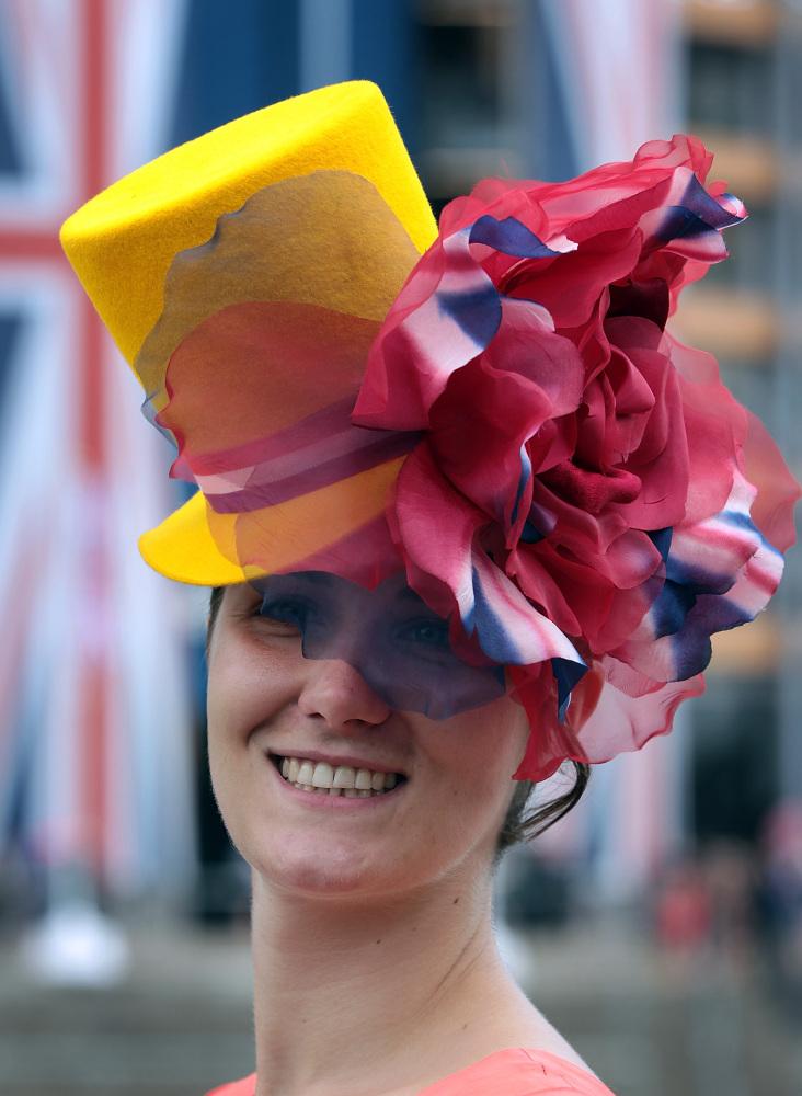 kalap ascott sárga.jpg