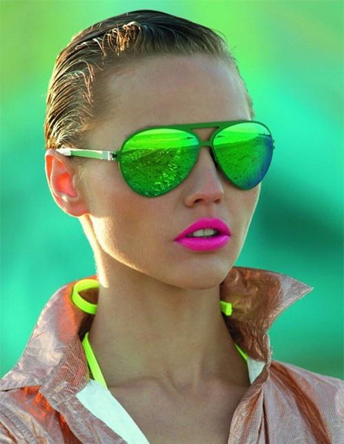neon fej.jpg