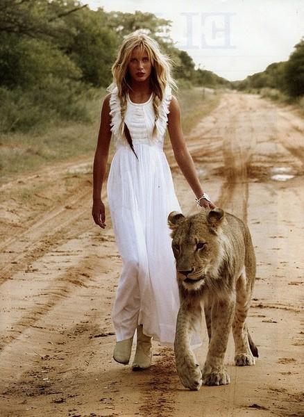 oroszlános lány.jpg