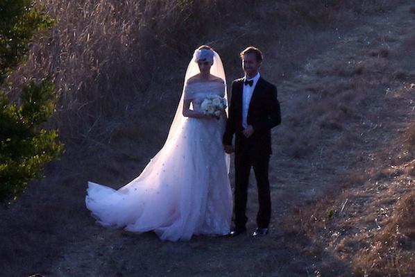 Anne-Hathaway-Wedding-Photos.jpg
