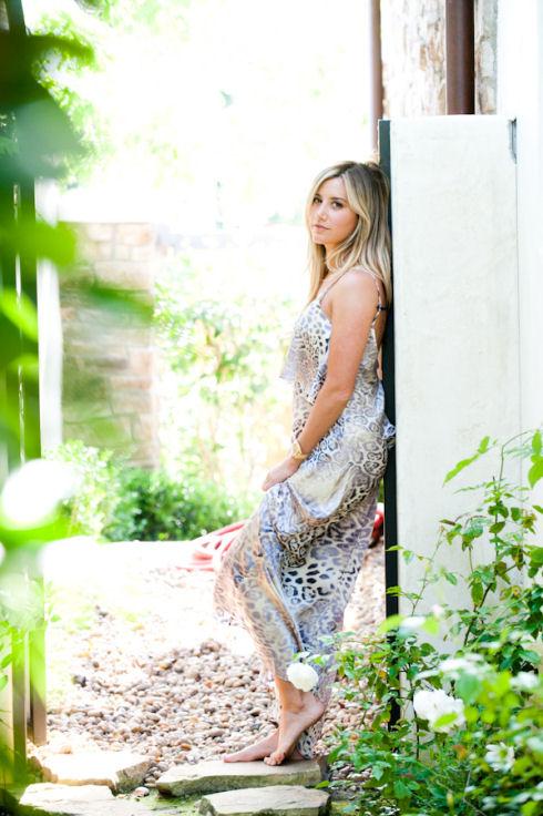 Ashley_Tisdale-035-full.jpg