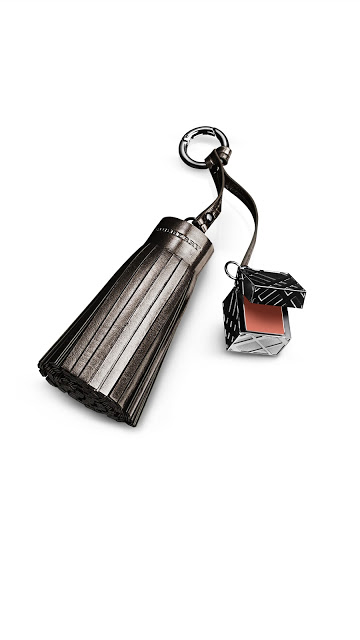 Burberry Beauty Charm - Limited edition.jpg