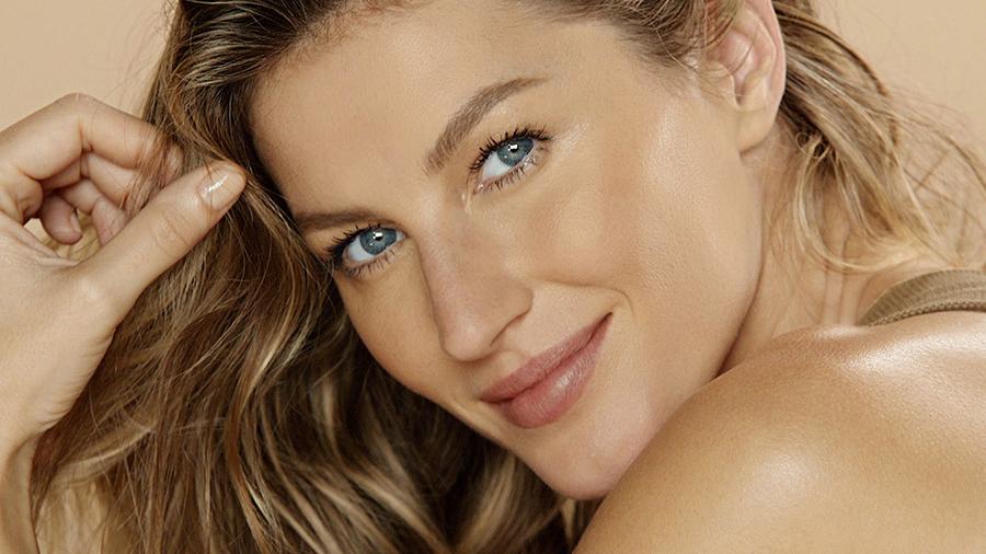 chanel-les-beiges-makeup-collection-for-summer-2015-gisele-bundchen.jpg