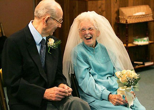 elderly-couple-wedding-photography-6_605.jpg