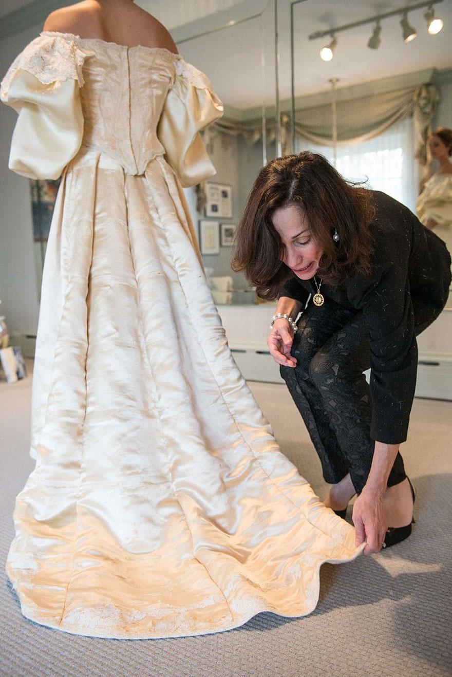 heirloom-wedding-dress-11th-bride-120-years-old-abigail-kingston-8.jpg
