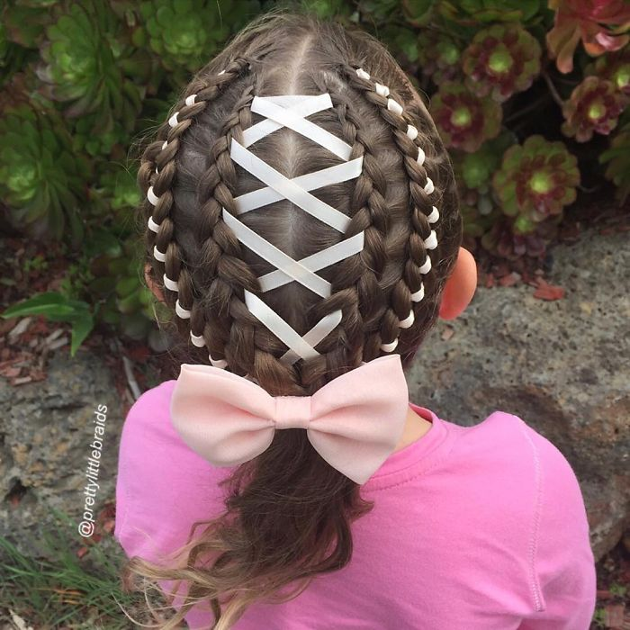 mom-braids-unbelievably-intricate-hairstyles-every-morning-before-school_700.jpg