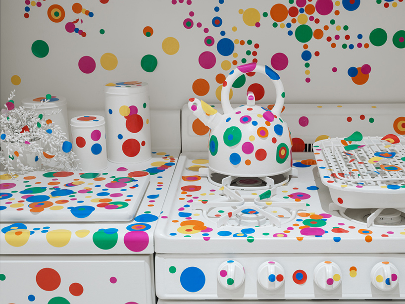 yayoi-kusama-give-me-love-david-zwirner-new-york-designboom-12.jpg