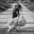Mik a gyermekkori szorongás tünetei és okai?