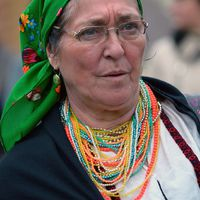 Nyisztor Tinka a moldvai magyarok életfordulókhoz  kapcsolódó ételeiről mesél