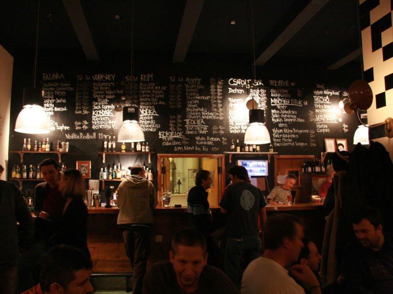 Jen, bar jazzy et restaurant à Budapest