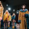 London Fashion Week: műszőr, kilt és könyvtár chic