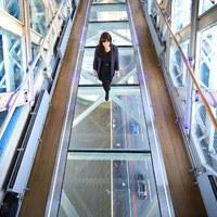 Üveghídon sétálhatunk a Temze fölött 42 méterrel