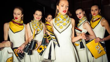 Szupermarket chic - Anya Hindmarch bemutatta legújabb kollekcióját a London Fashion Week-en
