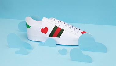 Gucci tornacipő papírból avagy hogy kerül egy magyar művész az olasz divatmárka kampányába?