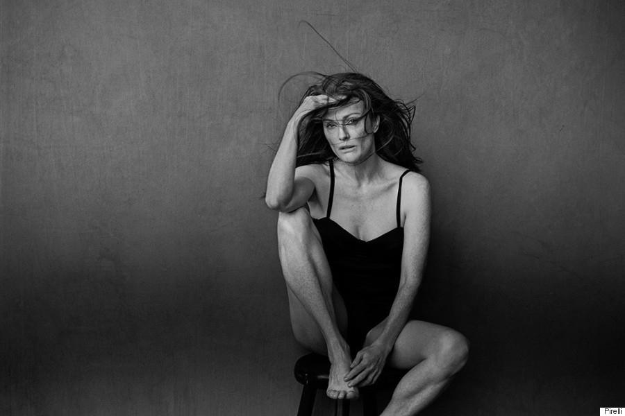 o-julianne-moore-pirelli-calendar-2017-900.jpeg