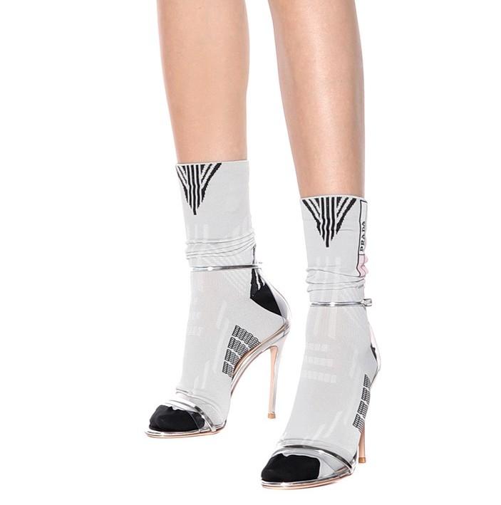 PRADA<br />€ 150<br />https://www.mytheresa.com/en-de/prada-intarsia-socks-898805.html
