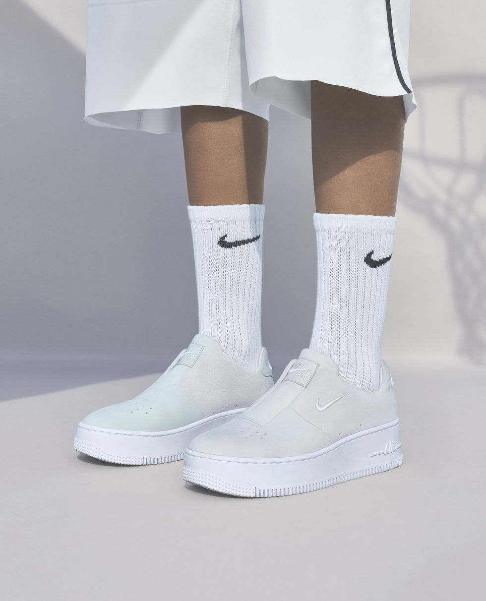 sp18-nwmn-the1reimagined-af1-sage-product-on-body-1516381017.jpg
