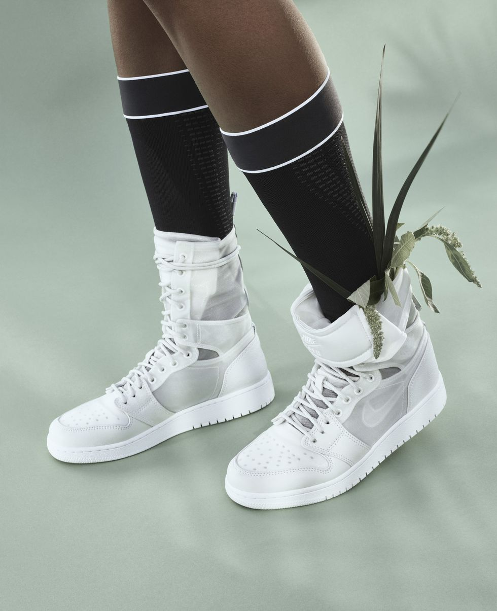 sp18-nwmn-the1reimagined-aj1-explorers-product-on-body-1516381016.jpg