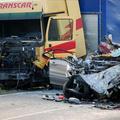 Frontális baleset, 5 halott