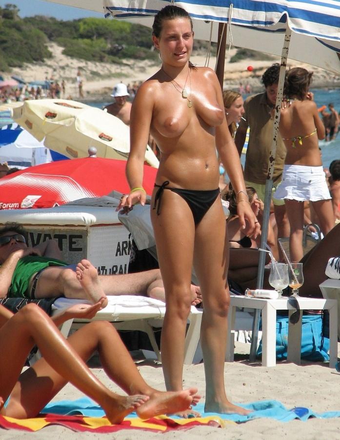 Nudistra strand képek