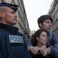 Hadseregnyi rendőr kell védje a fesztiválozókat ebben a befogadó országba