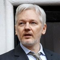 Assange: Trumpot megfoszthatják az elnöki poszttól