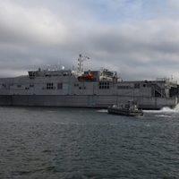 Az amerikaiak hadihajóval hordják a migránsokat Európába