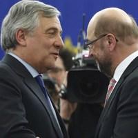 Érthetetlen: nekünk nem fizetnek, Törökországnak és Líbiának adják az uniós pénzeket (Fenevad Szaharába akar kerítést)