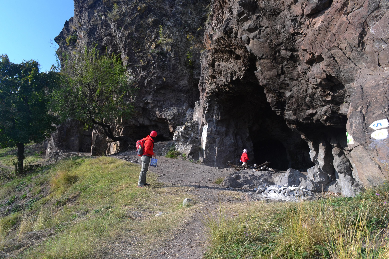 csalad_a_remete-barlangnal.JPG