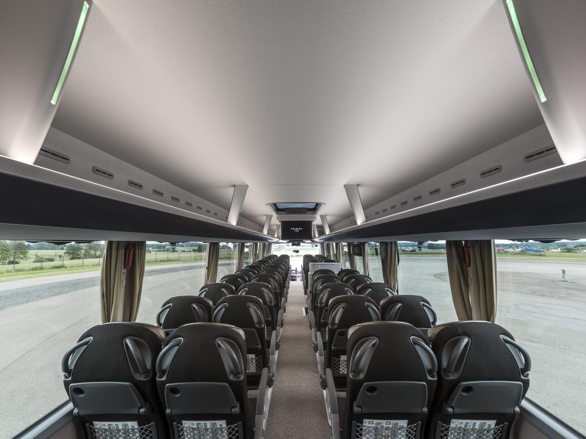 p_bus_iot_coach-02.jpg