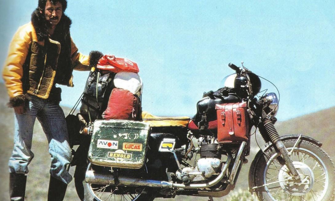 Ted Simon a kétleréken járó legenda. Jupiters Travels című könyve könyve amit az 1973 és 77 közötti világkörüli útjáról írt kötelező olvasmány. Triumph tiger 100
